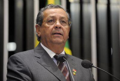 Assintomático, senador Jayme Campos testa positivo para covid-19