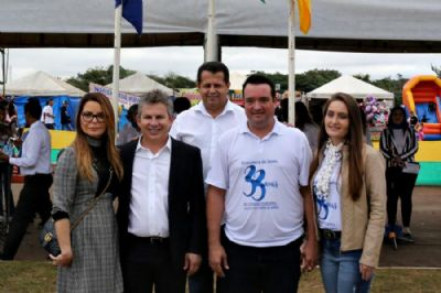 Governador Mauro Mendes prestigia aniversário de Primavera do Leste