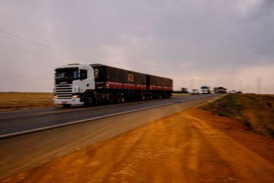 Pela primeira vez, rodovia de Mato Grosso recebe pavimento utilizando material reciclável