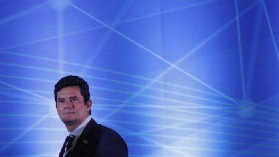 Moro recebe lista de torcedores com histórico criminal na Argentina