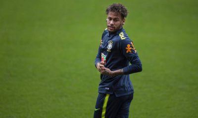 Neymar desfalca novamente o treino da seleção brasileira