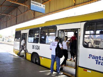 Ônibus do transporte público já começam a circular em Cuiabá e VG