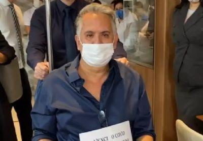 Orlando Morais, marido de Glória Pires, recebe alta