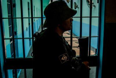 Preso é encontrado morto dentro de um tambor de água em cadeia