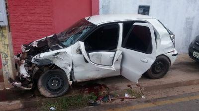 Motorista de 24 anos morre após colidir com caminhão no Pedra 90