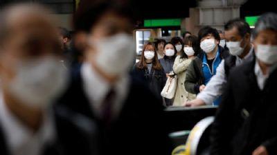 Japão registra recorde de 2.418 novos casos diários de coronavírus
