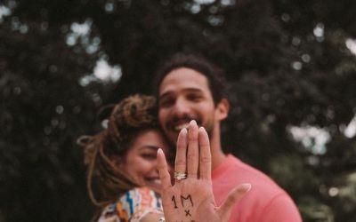 'Um dos dias mais felizes da minha vida', diz Gabi Prado ao anunciar noivado