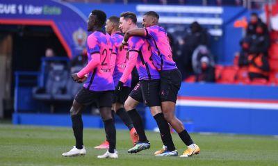 Sem Neymar, PSG vence Nice e chega à liderança do Campeonato Francês