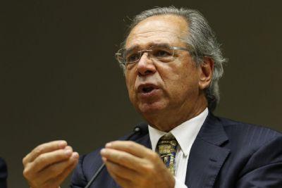 Governo espera aumento de R$ 8 bi na arrecadação, diz Guedes