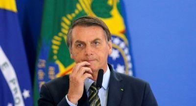 Bolsonaro afirma que 'Lula é carta fora do baralho'