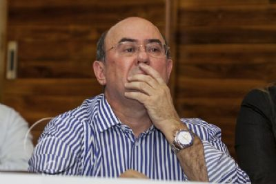 Desembargador aposentado teria cobrado R$ 1 milhão para não cassar Riva