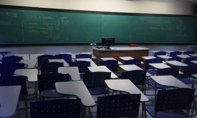 Deputada apresenta projeto que obriga escolas reduzirem mensalidades