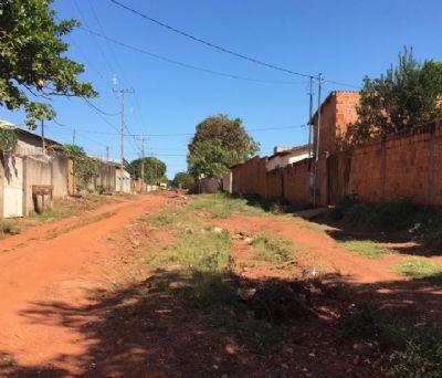 Sem asfalto e saneamento, moradores são expostos à doenças; VEJA VÍDEO