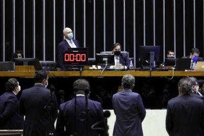 Câmara aprova eleições para 15 de novembro; confira calendário eleitoral
