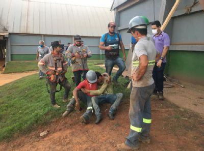 Funcionários são soterrados em armazém de grão