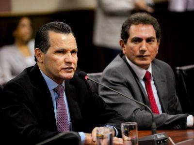 Silval quer entregar 3 imóveis de R$ 22 milhões para abater dívida com a Justiça