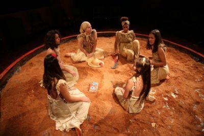 Protagonismo feminino no campo é retratado em espetáculo 'Mulheres da Terra'