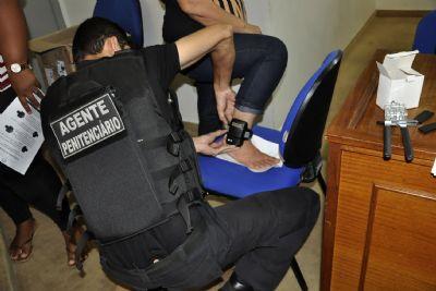 Lei obriga reeducandos a pagarem por uso de tornozeleira eletrônica em MT