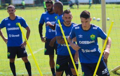 Cuiabá terá a volta de Alê e Jean Patrick para o duelo contra o Atlético-GO
