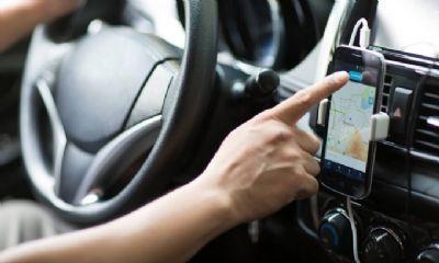 Assaltante rende motorista de aplicativo e tenta levar carro, mas desiste