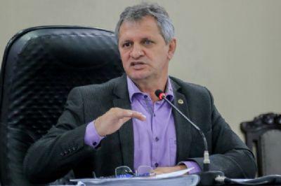 Líder do governo é contra fim das sessões às quintas; 'vai chocar com  às comissões'