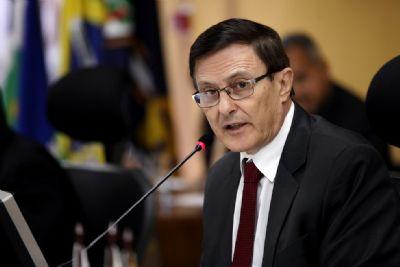 Sem prazo para definição, pedido de aposentadoria de Teis volta tramitar no TCE