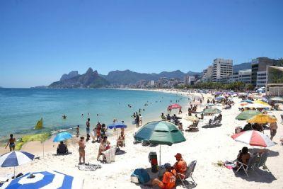 Rio libera casas de show e uso de praias nos finais de semana