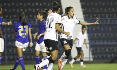 Corinthians mantém liderança isolada do Brasileiro Feminino